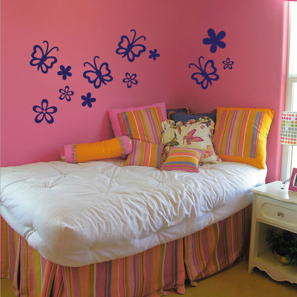 wandtattoo katze schmetterlinge kinderzimmer wandaufkleber. Black Bedroom Furniture Sets. Home Design Ideas